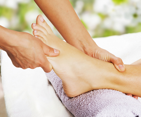 Foot Massage - 30min* available at certain locations only
